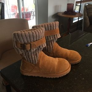 UGG Cambridge Boot - Size US 7